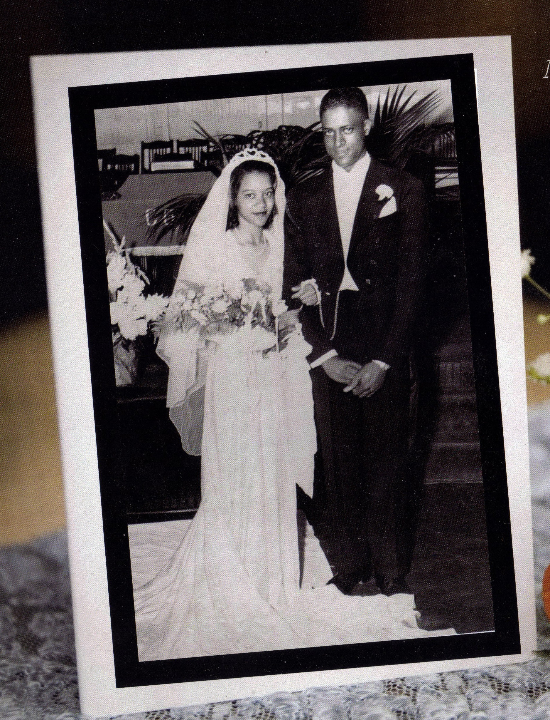 mom-and-dad-wedding-day-1946-e1467890580863